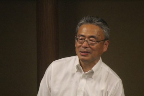 中締めで柳田副会長が会の価値を高めていく必要があると述べた