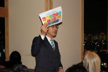 SDGsを説明する堀田会長